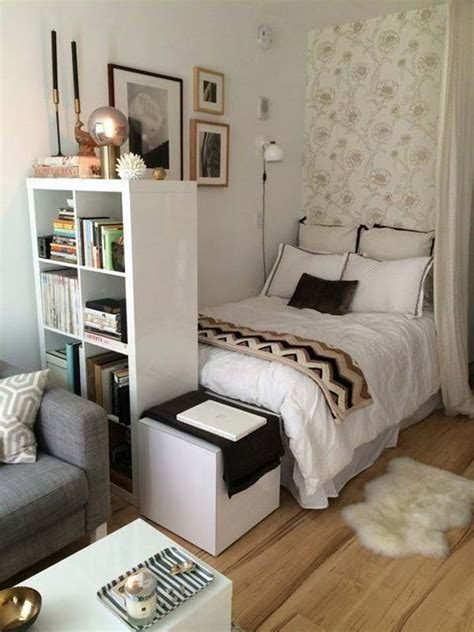 28 LOVELY FOOT OF THE BED IDEAS
