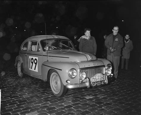 File:Deelnemers Rally Monte Carlo tijdcontrole in