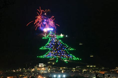 World's largest Christmas Tree: Gubbio, all numbers