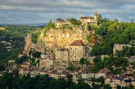 Hiking Dordogne from Les Eyzies to Rocamadour | Les Eyzies