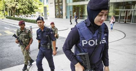 PDRM Is Considering Letting Their Police Officers Carry