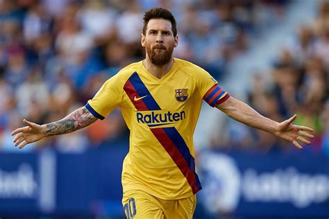 Messi set for 700th Barcelona game as he continues pursuit