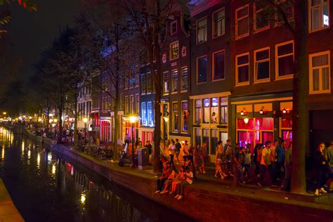 Red light district needs long term vision says Amsterdam