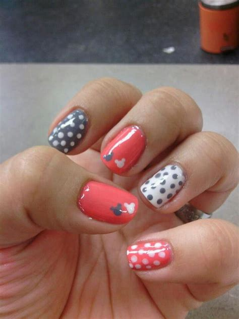 30 Easy Nail Designs for Beginners | Styletic