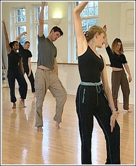 Modern Dance Moves, Steps and Routines for the Complete