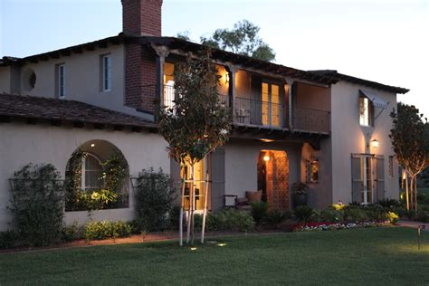Monterey Colonial - A Traditional Home with Delightful