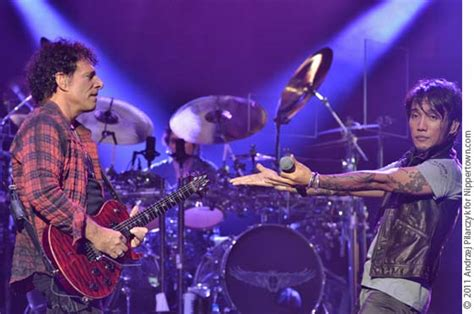 LIVE: Journey @ SPAC, 9/2/11   Nippertown