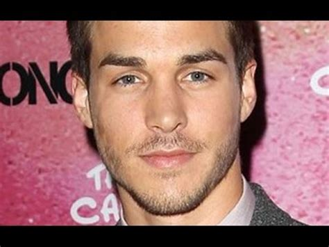 Chris Wood of The Carrie Diaries Heads to The Vampire
