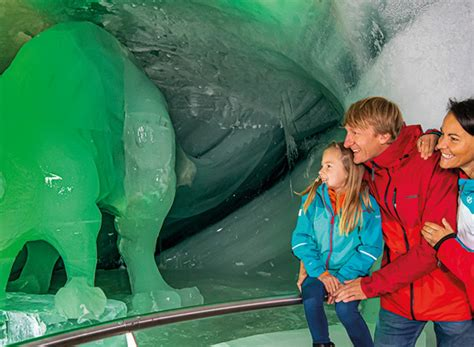 The Dachstein Ice Palace - a fascinating glacier world at