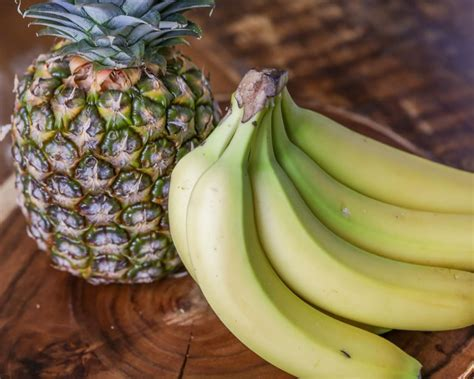 Family-Favorite Banana Smoothie Recipe with Pineapple