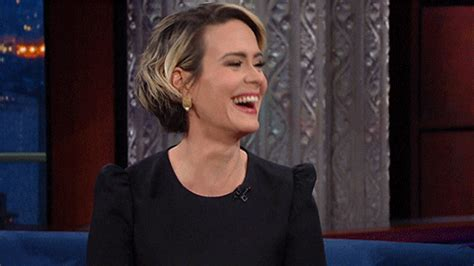 Sarah Smiles GIFs - Find & Share on GIPHY
