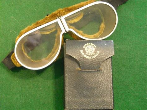 Question Difference between ww1 Aviator Goggles and ww2